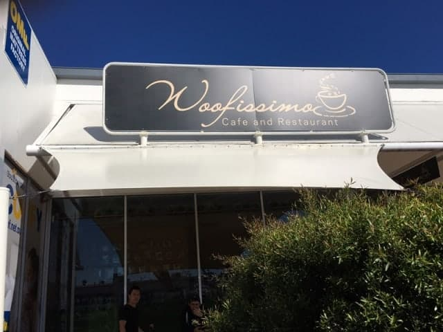 Brisbane-shade-sail-installation-at-Woofissimo-Cafe-and-Restaurant-Macgregor