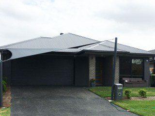 Springfield-Lakes-Brisbane-Carport-Shade-Sail-into-colour-bond-roof