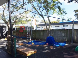 Victoria-Point-Child-Care-Centre Shade Sail Installation