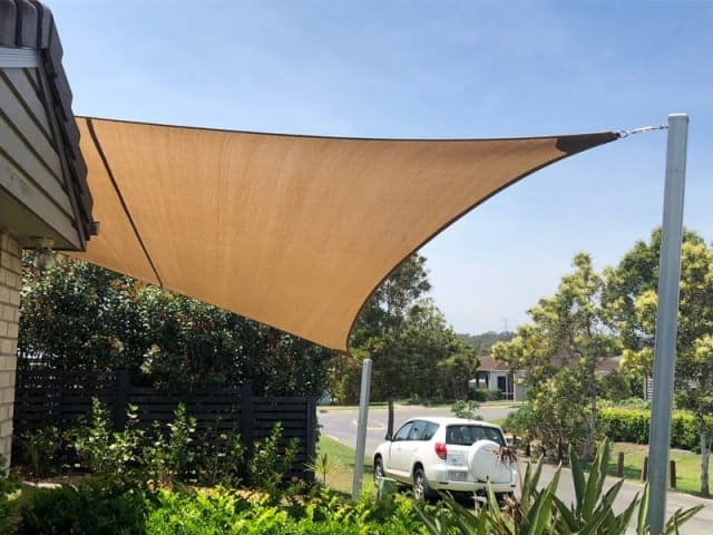 Driveway Shade Sail installed at Parkinson on the southside of Brisbane set up with 4 point Z-16 shade sail.