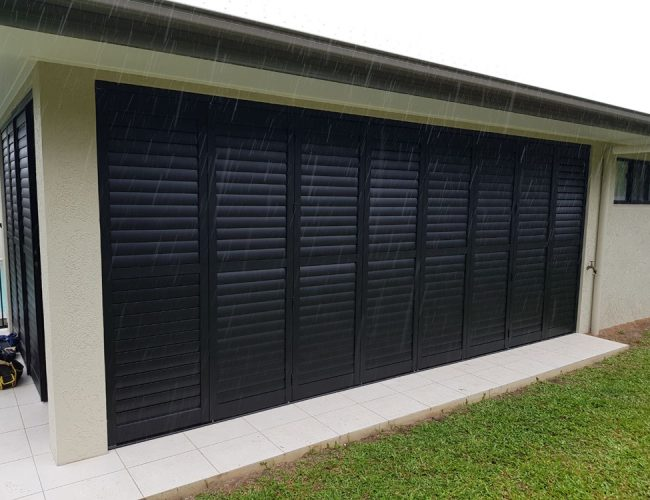 Outdoor Shutters in Aluminium are perfect for maximising your home's outdoor living spaces, including patios, decks and balconies.